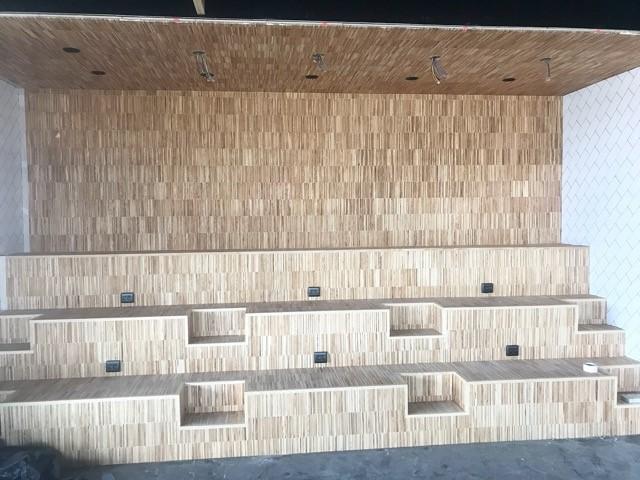 Industri parkett med specialtillverkade trappnosar till Max restaurang Behandling hårdvaxolja