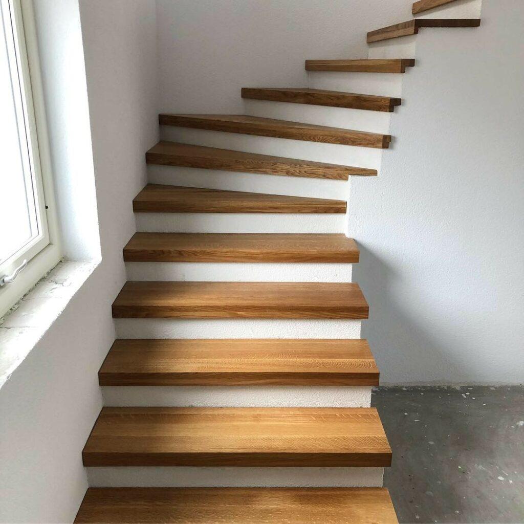 Specialtillverkad trappa i massiv ek. Behandling hårdvaxolja